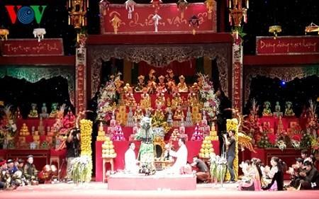 Ausübung der Religion zur Ehrung der drei Göttinnen der Vietnamesen – ein immaterielles Kulturerbe  - ảnh 1