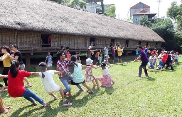 Aktivitäten zur Verbindung der Familienmitglieder im ethnologischen Museum Vietnams - ảnh 1