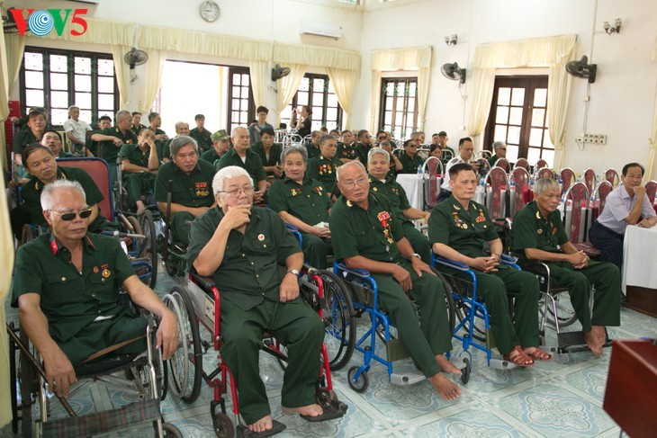 Pflegezentrum für Kriegsinvaliden Duy Tien – Ort zur Minderung des Kriegsleides - ảnh 12