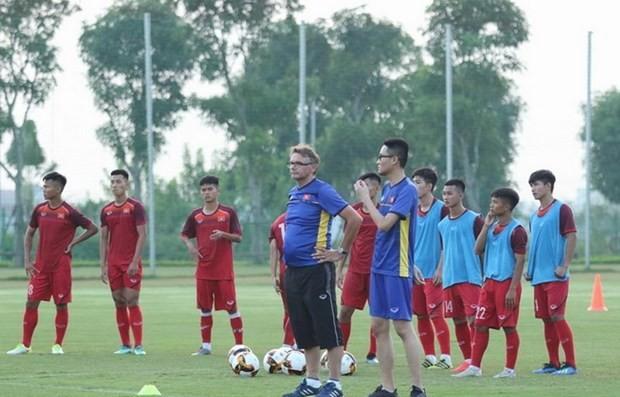 U19-Fußballnationalmannschaft: Streben nach Finalrunde der U19-Fußballasienmeisterschaft  - ảnh 1