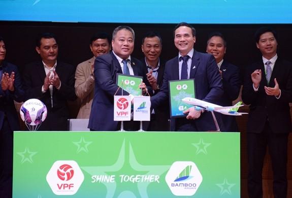 27 Fußballvereine nehmen am nationalen Fußballpokal Bamboo Airways 2021 teil - ảnh 1