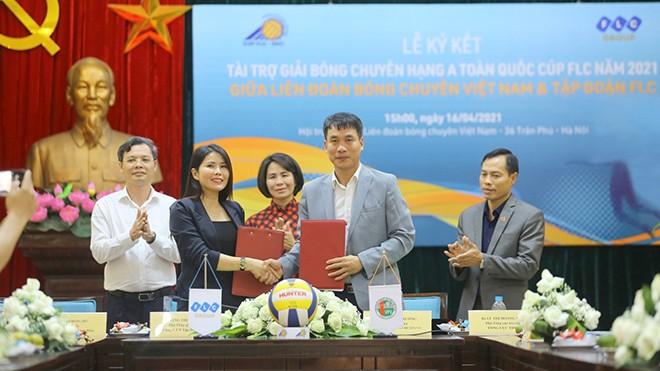 FLC ist der goldene Sponsor des nationalen Volleyball-Turniers der Klasse A im Jahr 2021 - ảnh 1