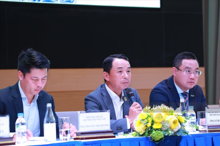Vorstellung des Golfturniers FLC Vietnam Masters 2021 presented by Bamboo Airways - ảnh 1