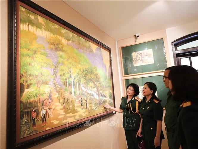 """Bilderausstellung """"Erinnerung an Truong Son"""" - ảnh 1"""