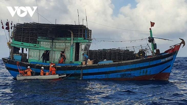 Protest gegen Fischfangverbot Chinas im Ostmeer - ảnh 1