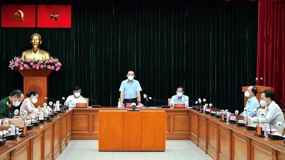 Bewohner von Ho Chi Minh Stadt dürfen von 18 Uhr bis 6 Uhr am nächsten morgen nicht ausgehen - ảnh 1