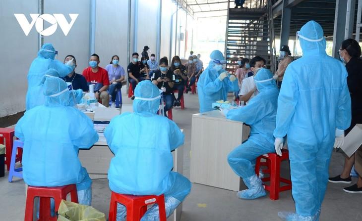 Am Dienstag bestätigt Vietnam 8.429 Covid-19-Neuinfektionen - ảnh 1