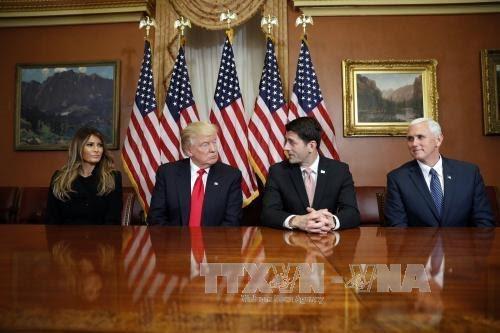 美国当选总统特朗普提出国内政策的优先方向 - ảnh 1