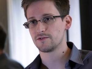 Edward Snowden ist noch nicht in der Lage, die russische Bürgerschaft zu kriegen - ảnh 1