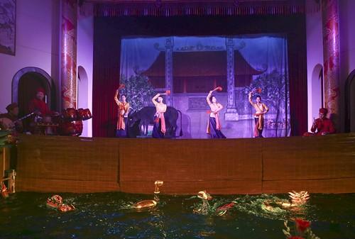 Long Thanh-Aufführung: die harmonische Mischung zwischen Cheo-Gesang und Wasserpuppentheater - ảnh 1