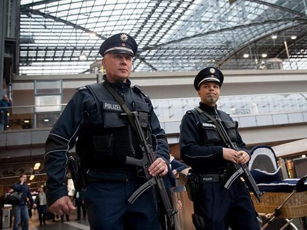 Deutschland warnt vor Rückkehr von tausenden IS-Dschihadisten nach Europa - ảnh 1