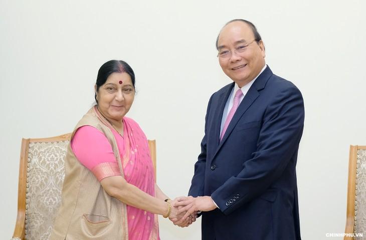 Premierminister Nguyen Xuan Phuc trifft Indiens Außenministerin Sushma Swaraj - ảnh 1