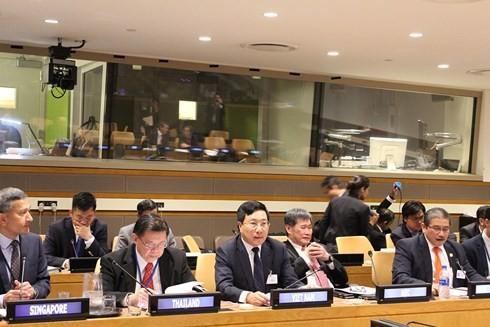 Aktivitäten des Vizepremierministers, Außenministers Pham Binh Minh am Rande der UN-Generalversammlung - ảnh 1