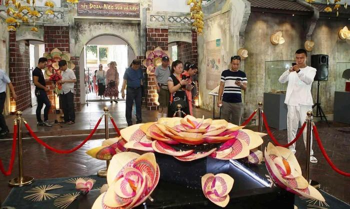 Ausstellung über Doan Ngo-Fest in der Thang Long-Zitadelle - ảnh 1