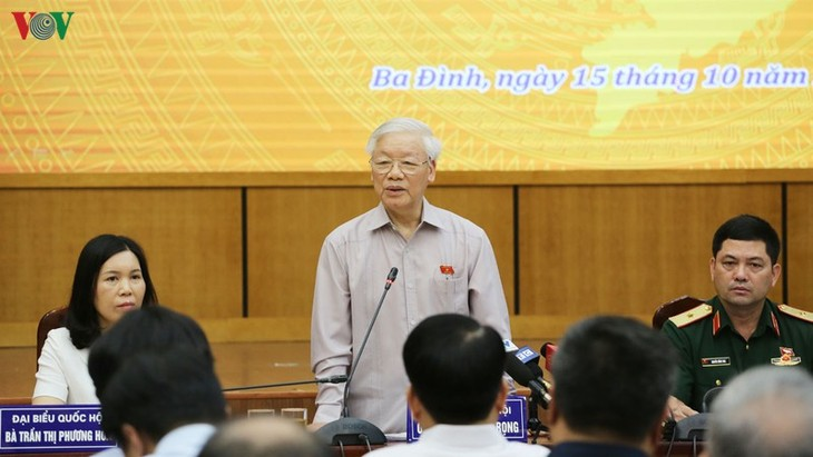 KPV-Generalsekretär, Staatspräsident Nguyen Phu Trong trifft Wähler in Hanoi - ảnh 1