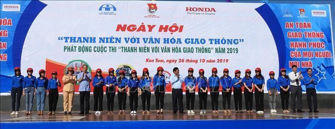 """Union der vietnamesischen Jugendlichen startet den Wettbewerb """"Jugendliche und Verkehrskultur"""" - ảnh 1"""