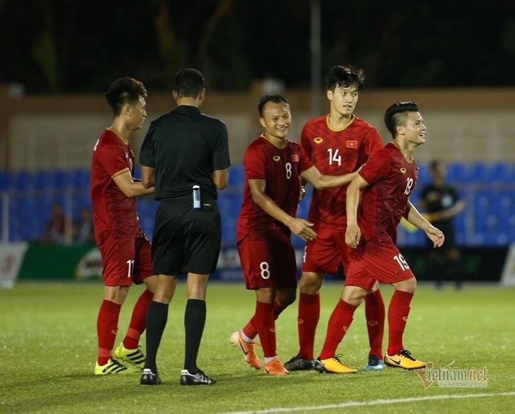 Vietnams U22-Fußballnationalmannschaft der Männer siegt über die laotische Mannschaft mit 6:1 - ảnh 1