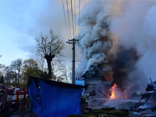 Brand auf vietnamesischem Markt an der Grenze zwischen Tschechien und Deutschland - ảnh 1