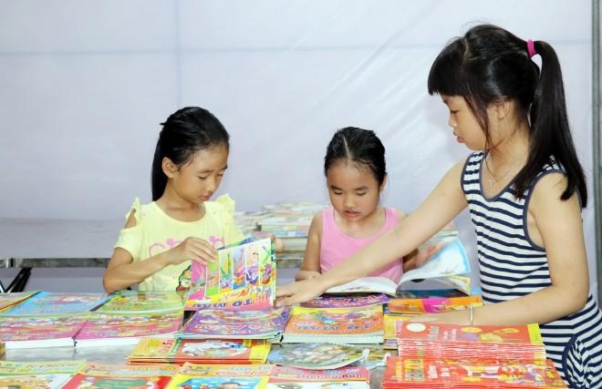 Bac Giang veranstaltet zahlreiche Aktivitäten zum vietnamesischen Tag der Bücher - ảnh 1