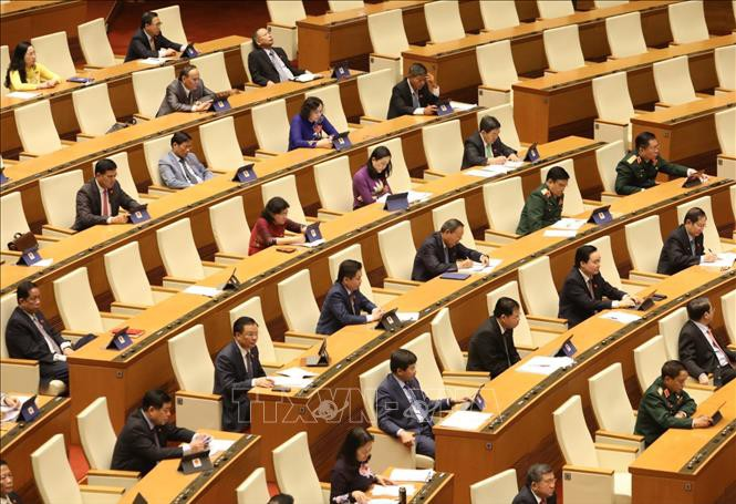 Abgeordnete schätzen den Sozialwirtschaftsbericht des Premierministers auf der Eröffnungssitzung des Parlaments - ảnh 1
