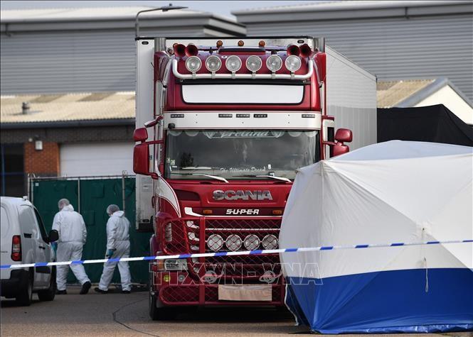 39 Leichen im LKW in Großbritannien: Frankreich klagt 13 Menschen an - ảnh 1