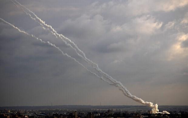Israel führt Luftangriffe auf Gazastreifen - ảnh 1