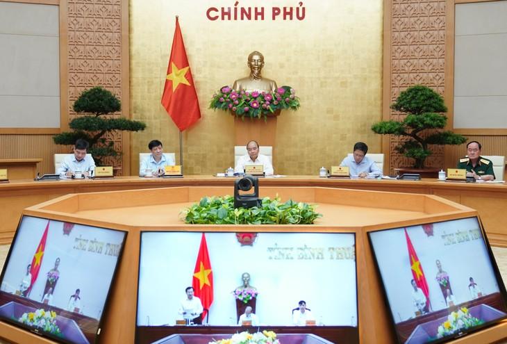 Der Premierminister lobt Binh Thuan für die Bereitstellung von fast 100 Prozent der Böden für Autobahn-Projekt - ảnh 1
