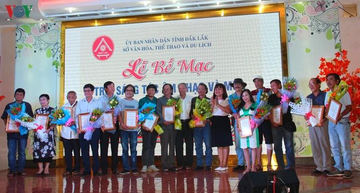 Abschluss des Songwriting-Camps 2020 in Dak Lak - ảnh 1
