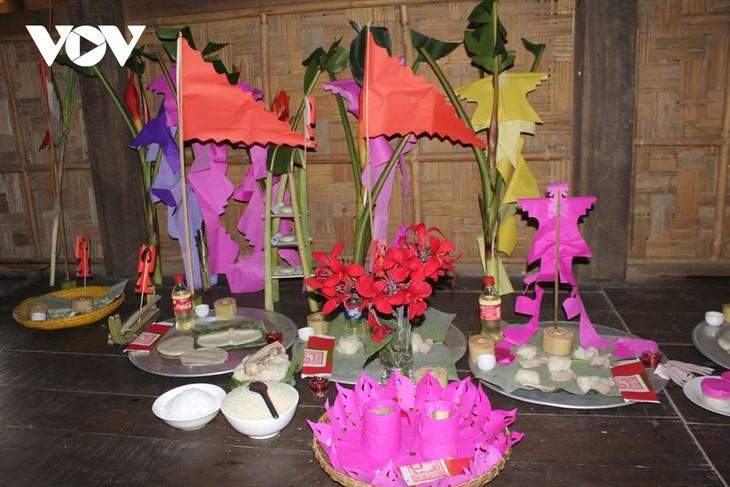 Giai han-Zeremonie am Jahresanfang der Volksgruppen der Tay und der Nung - ảnh 1