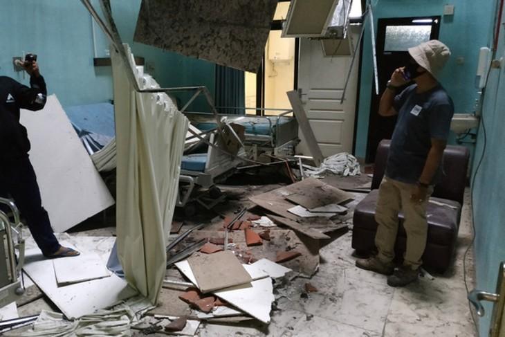 Indonesien: Mindestens 8 Tote durch Erdbeben und 174 Tote durch Zyklon Seroja - ảnh 1