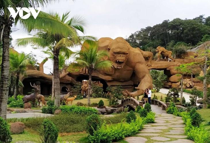Quang Ninh erwarten 550.000 Besucher anlässlich der Feiertage am 30. April und 1. Mai - ảnh 1