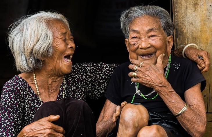 Tag für vietnamesische Senioren: die Schönheit der Alten - ảnh 11