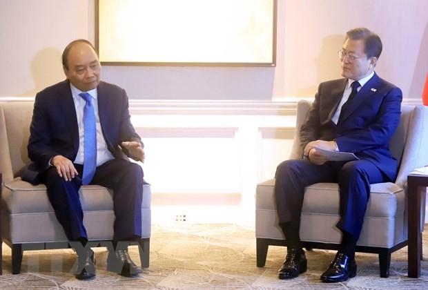 Staatspräsident Nguyen Xuan Phuc trifft andere Staats- und Regierungschefs und Leiter internationaler Organisationen - ảnh 1