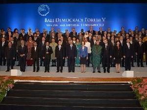 Pembukaan Forum ke-5  Demokrasi Bali - ảnh 1