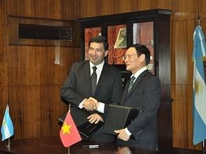 Vietnam dan Argentina menanda-tangani permufakatan kerjasama pabean - ảnh 1