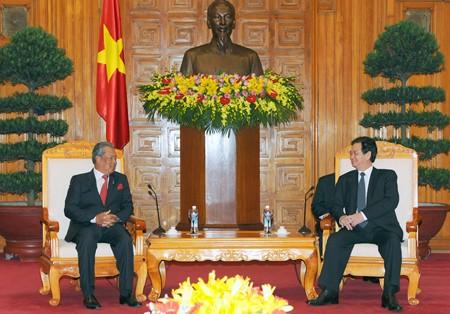 PM Vietnam, Nguyen Tan Dung menerima Deputi PM merangkap Menteri Pendidikan Malaysia - ảnh 1