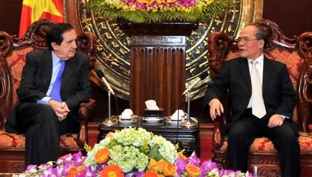 Ketua MN Vietnam, Nguyen Sinh Hung menerima delegasi Majelis Tinggi Spanyol - ảnh 1
