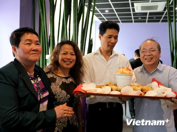 """Kehangatan keluarga Vietnam"" turut mengkonektivitas komunitas Vietnam di Kerajaan Inggris - ảnh 1"