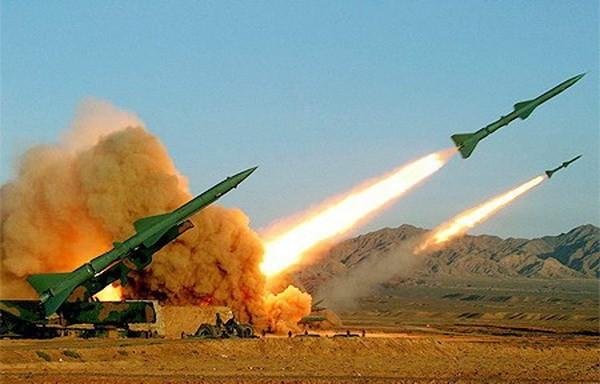 Tiongkok melakukan peluncuran sistim pertahanan udara mutakhir HongQi-10 - ảnh 1