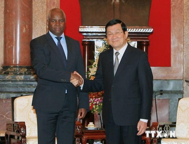 Presiden Truong Tan Sang menerima Menteri Dalam Negeri Angola - ảnh 1