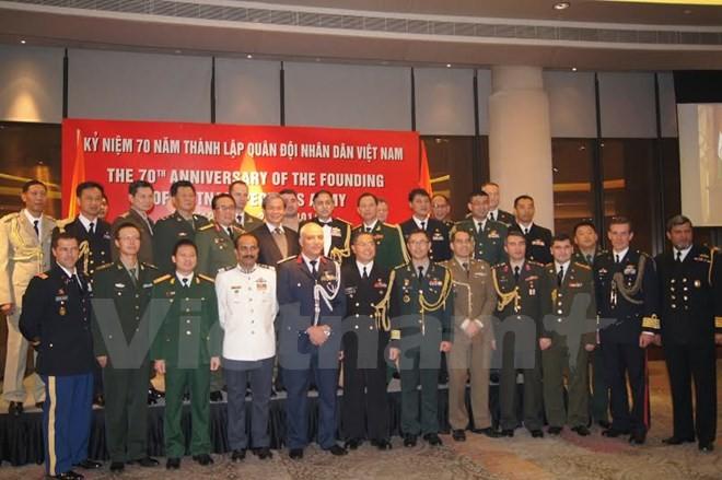 Berlangsung banyak aktivitas untuk menyambut ultah ke-70 Hari berdirinya Tentara Rakyat Vietnam - ảnh 1