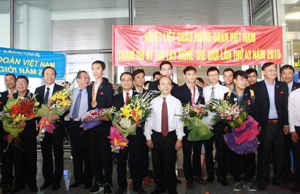 Rombongan Vietnam untuk pertama kalinya merebut medali - ảnh 1