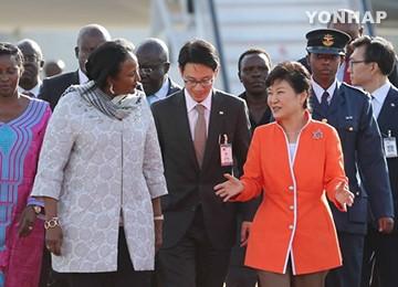 Kenya dan Republik Korea mendorong kerjasama ekonomi perdagangan - ảnh 1