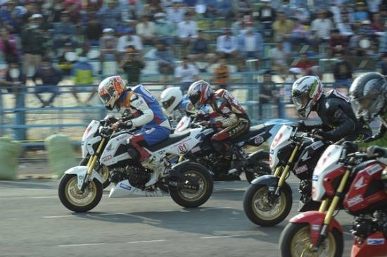 Memperkenalkan lomba balap sepeda motor di Vietnam - ảnh 1