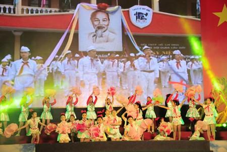 Banyak aktivitas praksis memperingati ultah ke-71 Revolusi Agustus (19/8) dan Hari Nasional (2/9) - ảnh 1
