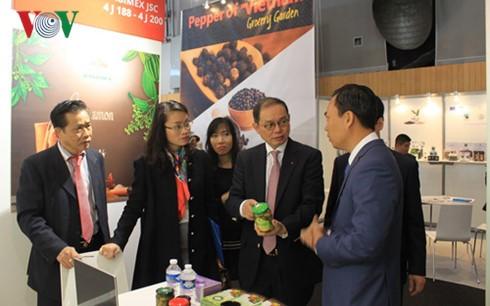 Vietnam menghadiri Pekan raya industri bahan makanan dunia terbesar di Paris, Perancis - ảnh 1