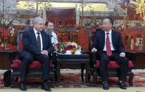 Belarus ingin bekerjasama untuk mengembangkan lalu lintas publik di kota Hanoi - ảnh 1