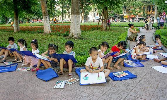 Ciri budaya baru di zona untuk  pejalan kaki di sekitar Danau Hoan Kiem  - ảnh 8