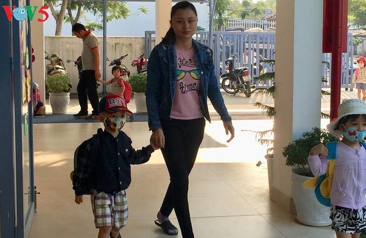 Sekolah yang berstandar internasional untuk anak-anak kaum buruh miskin di Kota Da Nang - ảnh 1