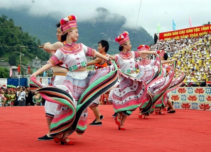 Banyak aktivitas pada Pesta budaya etnis-etnis minoritas daerah Timur Laut - ảnh 1